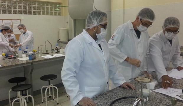 farmacia-Foto-1-Laboratorio-de-Quimica