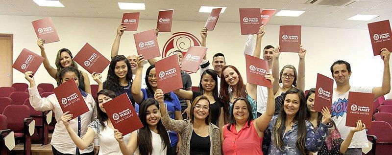 Em 2015, programa contemplou 19 alunos bolsistas.
